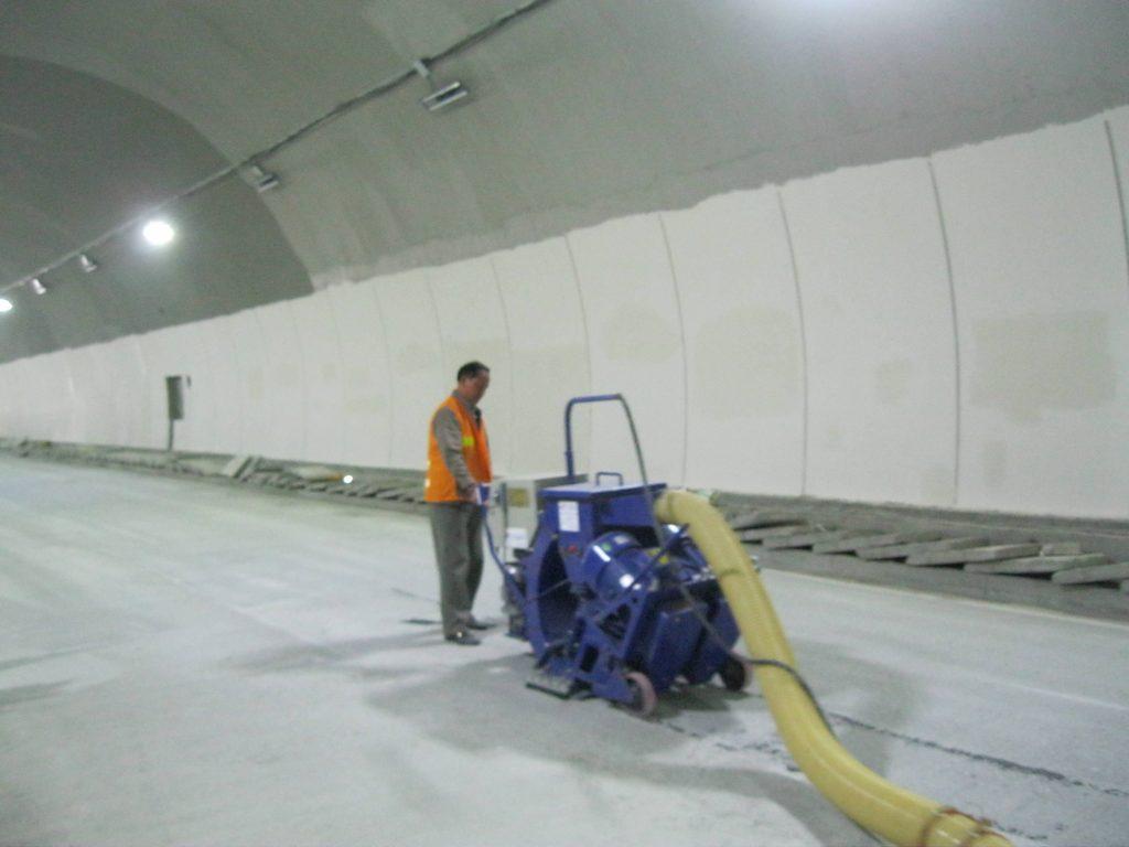 隧道地面抛丸施工